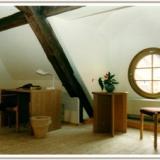 Dachgeschosszimmer - Internationales Begegnungszentrum St. Marienthal