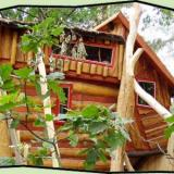 Aussenansich - Kulturinsel Einsiedel - Baumhaushotel: Bodelmutzens Geisterhaus