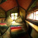 Schlafraum - Kulturinsel Einsiedel - Baumhaushotel: Baba-Doros Kräuterkate
