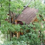 Aussenansicht - Kulturinsel Einsiedel - Baumhaushotel: Baba-Doros Kräuterkate