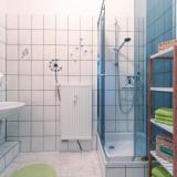 Bad mit Dusche - Am alten Hospital I