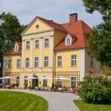 Außenansicht - Schloss Lomnitz in Jelenia Gora (Polen)