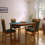 Wohnzimmer mit Essecke - Ferienwohnung Krebs II